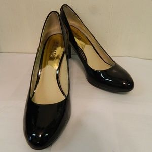 Michael Kors Black Patent Leather Heels Shoes 8N